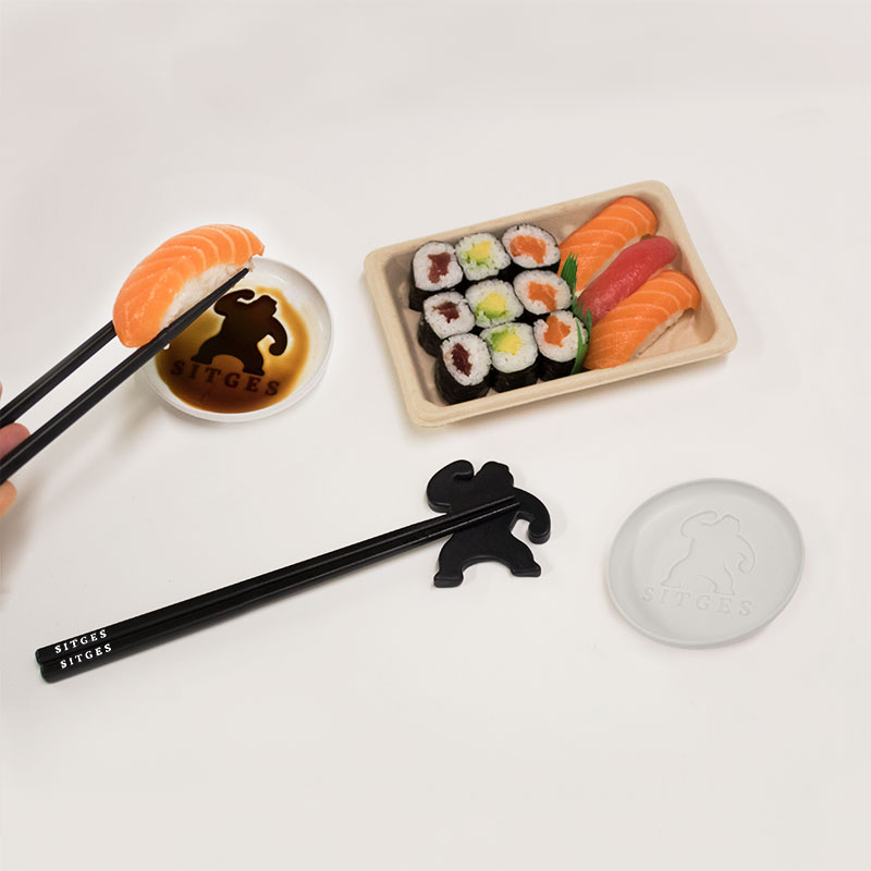 Sitges Sushi set. With a pair of chopsticks, a soy sauce plate and a chopsticks rest.